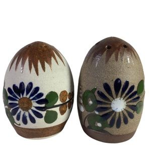 VNTG Pottery Made in Mexico Salt & Pepper Shakers